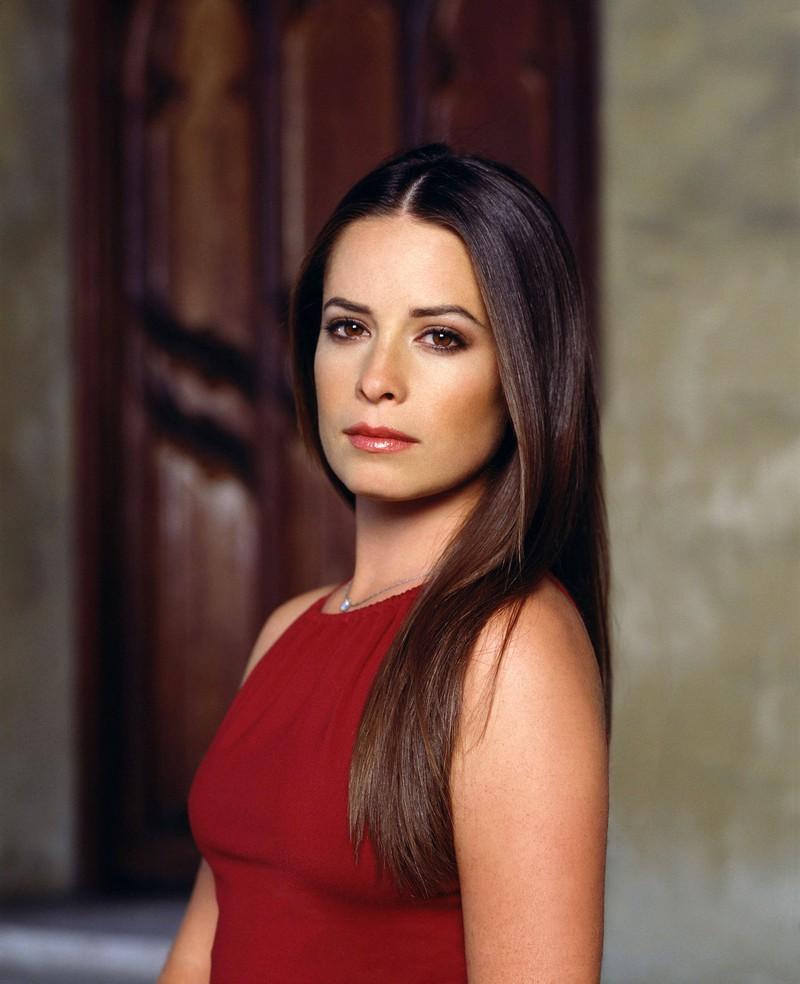 Piper ist die zweitälteste Schwester und bekommt mit ihrem Mann Leo gemeinsam drei Kinder.